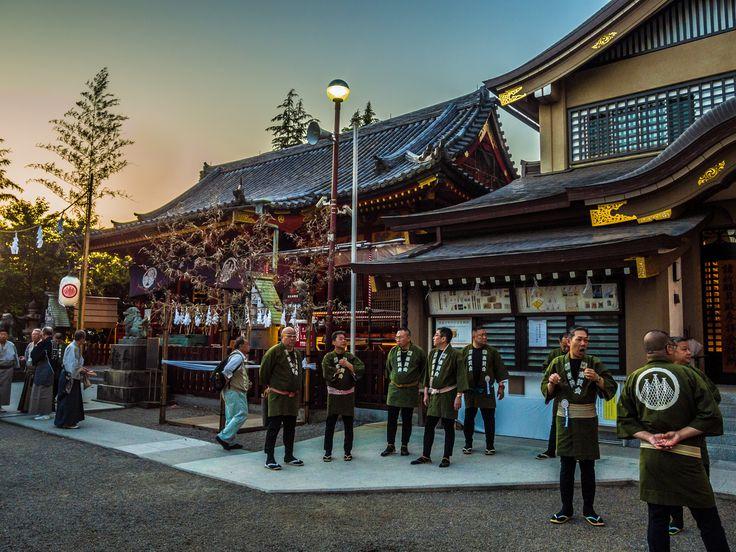 Asakusa Honsha Mikoshi Mitamaire 2/6 Members of the Jinja support association gathered for the mitamaire ceremony, performed after sundown. #Asakusa, #omikoshi, #honsha, #Jinja, #mitamaire May 12, 2016 © Grigoris A. Miliaresis