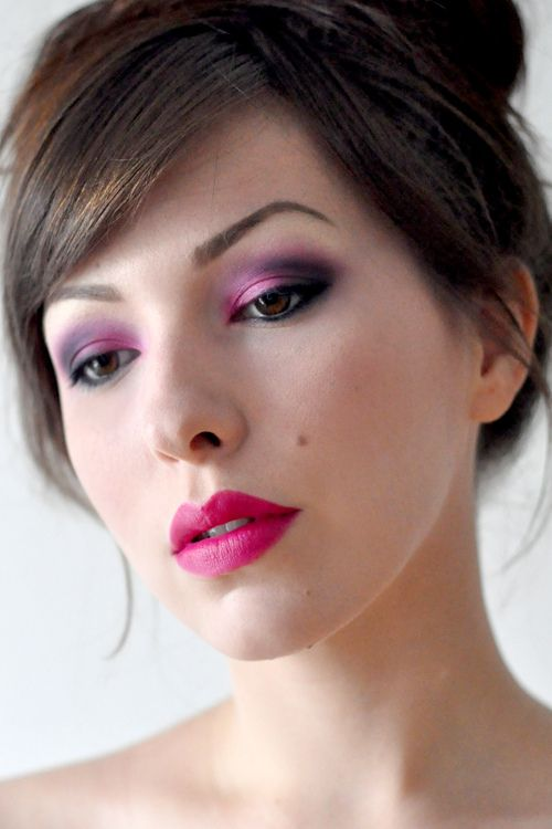 I can't pull off those colors, but she does a great step-by-step tutorial for the eye makeup ;)