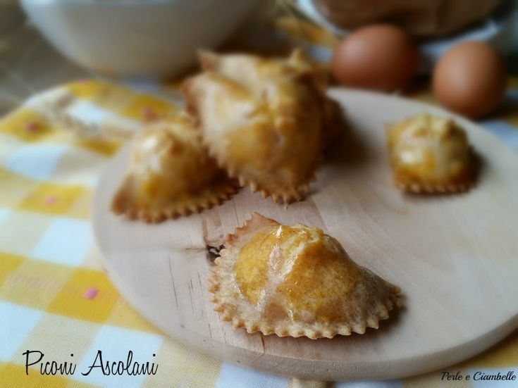 Torniamo oggi a parlare di ricette tradizionali marchigiane : i Piconi Ascolani! Sapete bene che per le ricette tradizionali si...