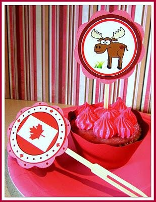 If you need some cute party circles,  these are fromSuperchick Studios. They're perfect for a Canada Day celebration.(en.paperblog.com)