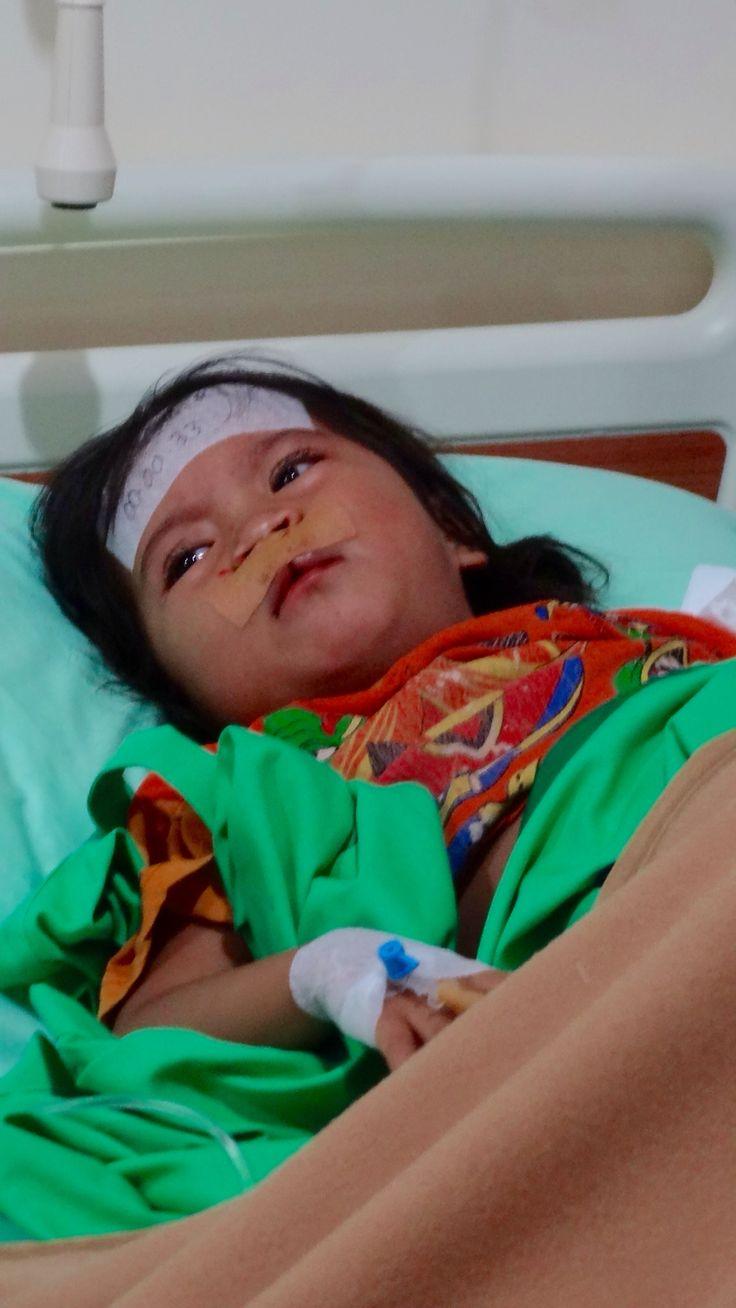 Novi just after surgery in new Bali Med hospital Kaangasem.