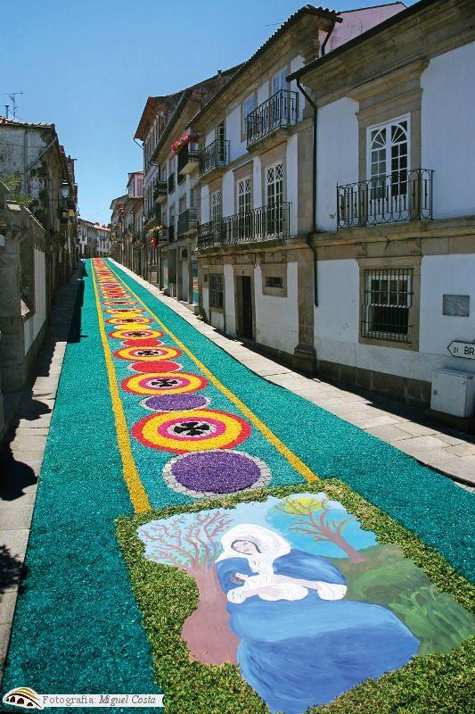 Tapetes de Flores - Corpo de Deus by Município de Ponte de Lima, Portugal