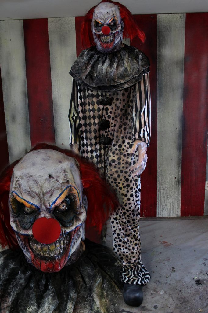 Best 25 scary clown costume ideas on pinterest scary for Good themes for a haunted house