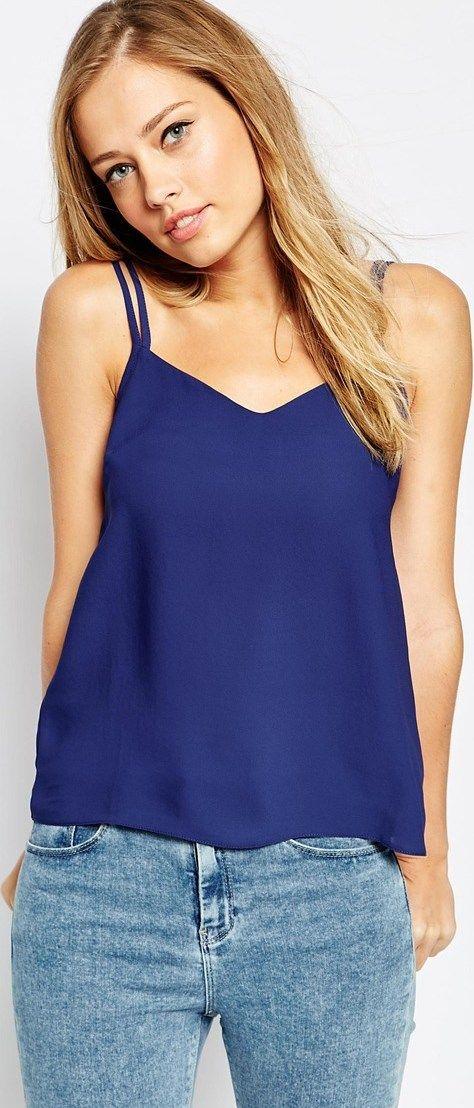 Camiseta de tirantes azul marino ASOS