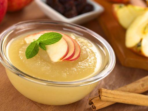 Compote de pommes miel - cannelle - Recette de cuisine Marmiton : une recette