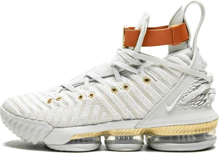sports shoes 2f3d5 b424c Nike Womens Lebron 16 LMTD - Size 7W in 2019 | Products ...