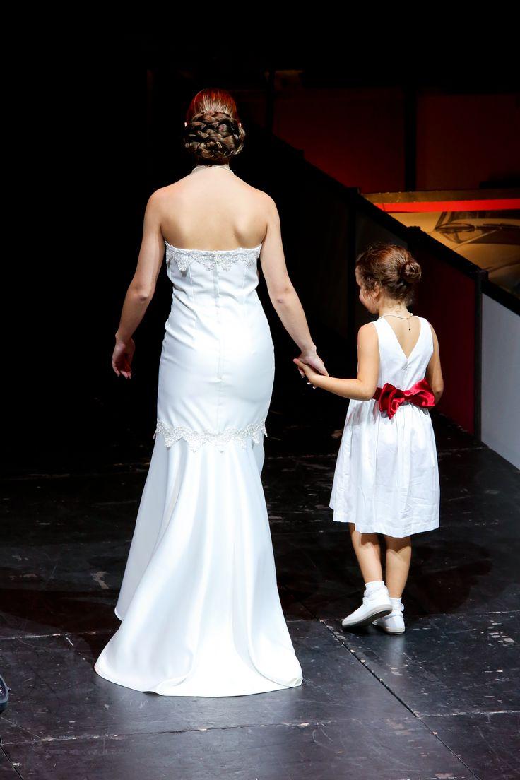 Accessoire mariage: le clipshirt sur-mesure pour demoiselle d'honneur, en ceinture et noeud papillon
