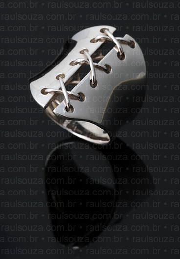 Jewels for Ghouls: Corset Ring in Sterling Silver by Raul Souza.