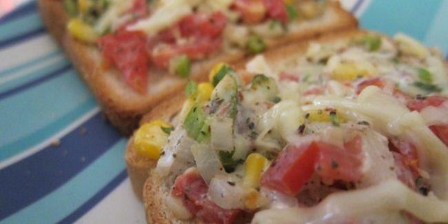 Vemale.com - Roti panggang sayuran keju adalah salah satu cara untuk mengonsumsi sayur dengan cara lezat dan berbeda.