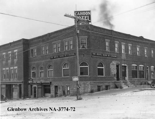 File number: NA-3774-72 Title: Cahoon Hotel, containing the Royal Bank of Canada, Cardston, Alberta. Date: January 1927