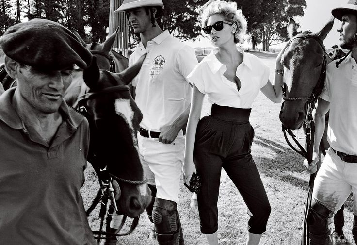www.pegasebuzz.com   Horse in Fashion : Kate Upton by Mario Testino for Vogue US, june 2013