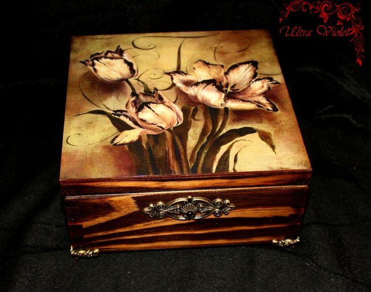 Exclusive  Teebox / Schmuckbox (Holz geflammt) von Exklusive Geschenke. auf DaWanda.com