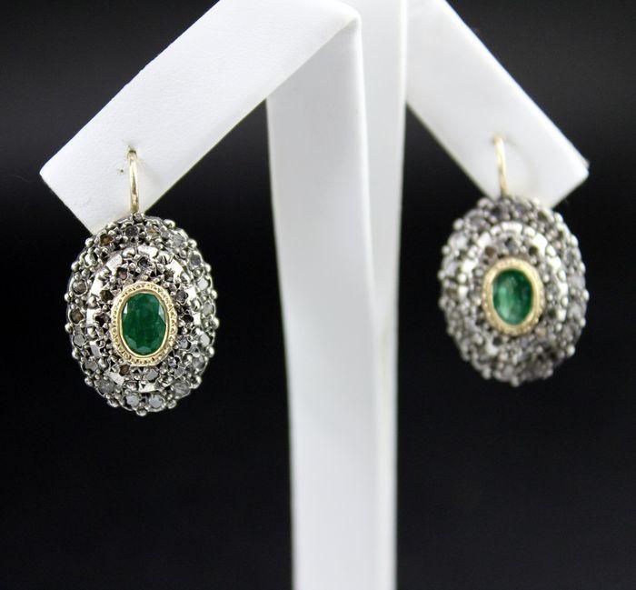 Online veilinghuis Catawiki: Oorbellen met diamanten en smaragden
