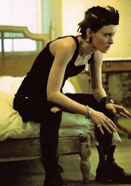 Rooney Mara as Lisbeth Salander in Fincher's The Girl with the Dragon Tattoo adaptation. #Androgynous