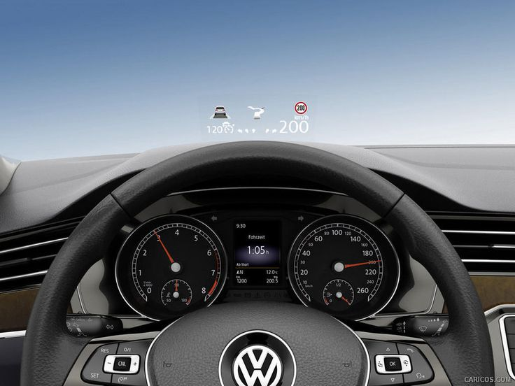 Volkswagen se lauda ca noul Passat 2015 a primit un Head-Up Display