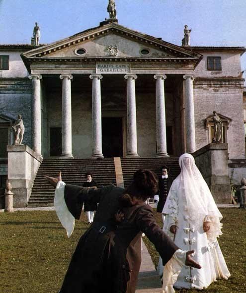 Don Giovanni de Losey, filmed in Vicenza at the Villa Capra, La Rotunda;