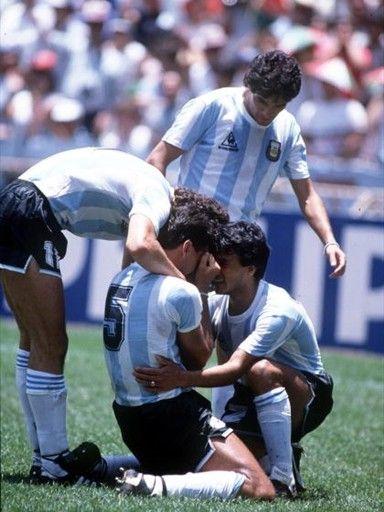Brown. Convirtiendo sólo un gol. Fue integrante del plantel ganador de la Copa Mundial de Fútbol de 1986 en México, convirtiendo uno de los goles con los que Argentina ganaría la final, frente a Alemania Federal, por 3:2.