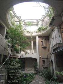異世界的中庭空間