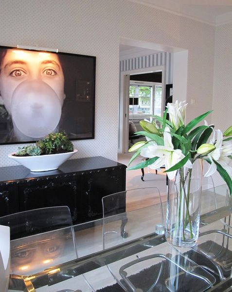 dining-room-oversized-art...could totally do this with one of the Bean's fantastic pictures.