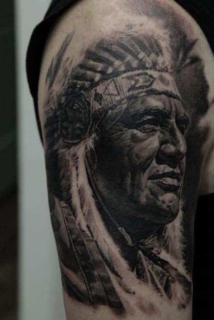 Halve sleeve tatoeages Mouwtatoeages and Amerikaanse indianen on ...