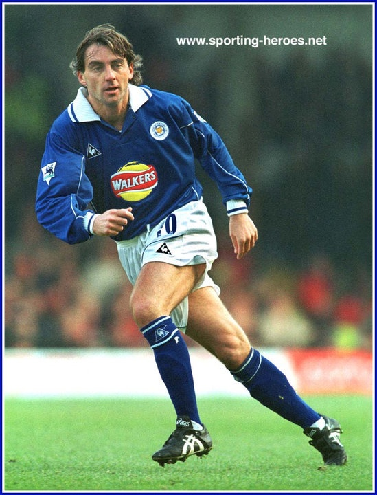Roberto MANCINI Leicester City FC His style hasn't changed, apart from a few grey hairs. I swear you'll never see anything like this ever again.
