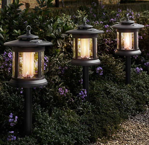 Walkway solar lights