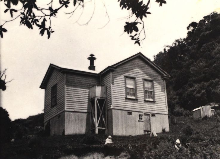 THE HUIA SCHOOL, built in 1893 for £224, opened with a roll of 20 pupils. It was closed in 1961 due to a falling roll, and is now the Huia Lodge Camp.