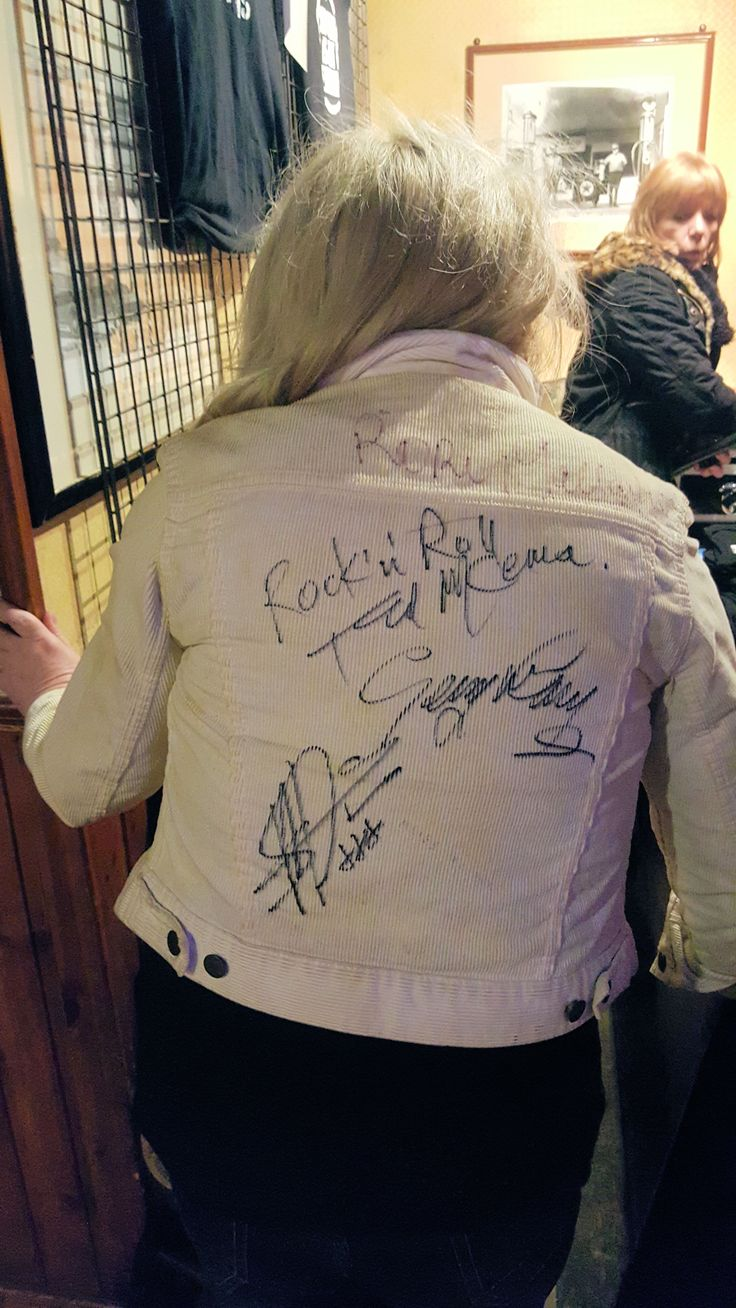 My Wife Trish The Jeans , now with Rory's signature from 1978 & The Band of Friensd !!! 2016 Verviers