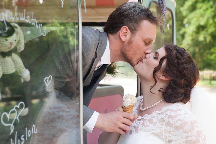Gorgeous bride and groom - elsies-ices vintage ice cream van