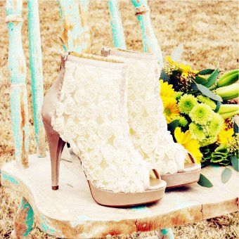 Honey Roses Heels For Country Wedding Www Loveitsomuch