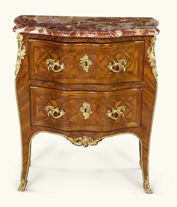 commodes/chest of drawers ||| sotheby's l17306lot73t3ben