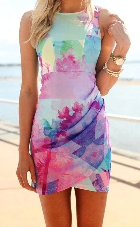 Sleeveless floral print dress. Perfect for so many occasions!