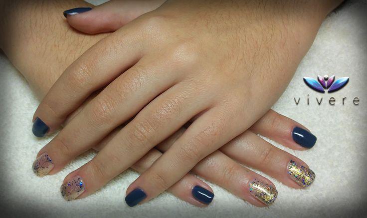 Ημιμόνιμο μπλε-raf και χρυσό-μπλε glitter!!! #semipermanent #blue #raf #gold #glitter #manicure #nails #vivere