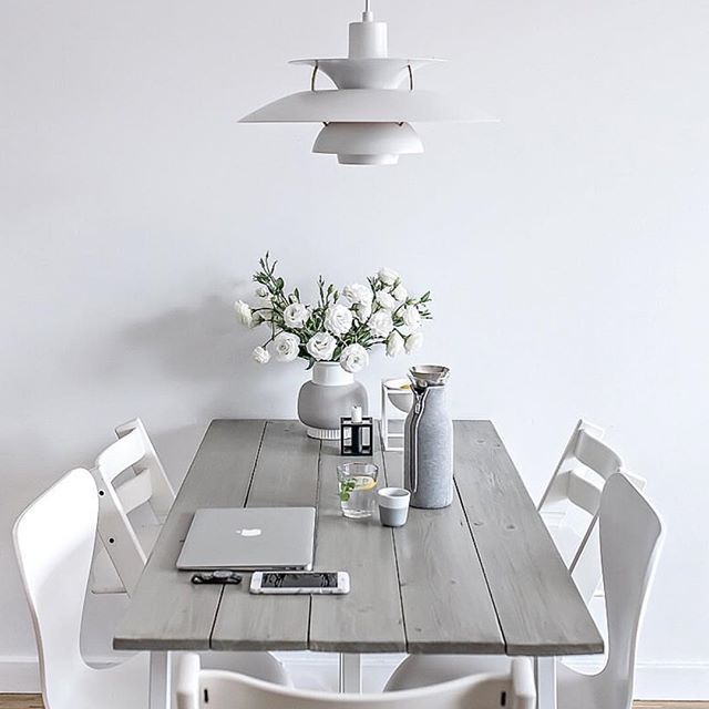 T h r o w b a c k    Our dining space during the transition period with my old DIY desk serving as a table, white chairs and always beautiful PH5 lamp. Yes or no?
