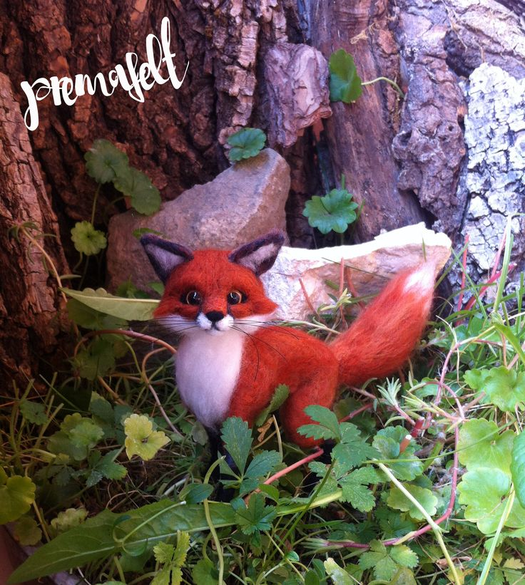 Needle felted woodland animals, red fox #needlefeltedanimals, #needlefelted, #feltedanimals, #needlefelting, #miniatureanimalfigurines #toytoys #handmade #natural #fiberart #cute #realisticanimal #homedecor #birthdaygift #giftideas #merinowool #animalsculpture #miniaturegift #naturalwool #handmadeanimal #happyanimals #naturalwooltoys #christmas #ecofrendly #waldorf #ecotoys #feltcrafts #childrenkids #giftforanimallovers  #giftforcraftlovers  #funny