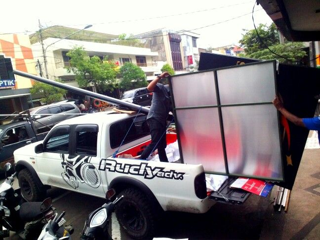 Operational Car to Billboard delivery service