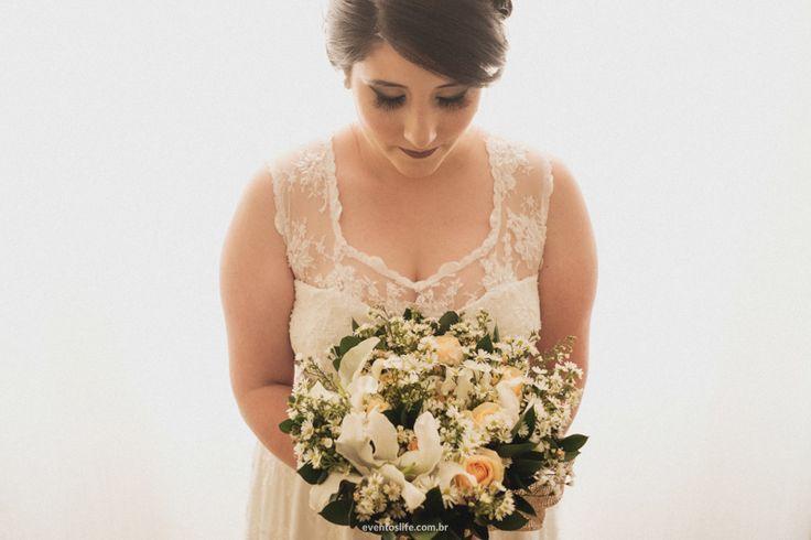 Kaká de noiva!  Yes I Do, Noiva, Bride, Be bride, Noiva linda, Romântico, buquê de noiva, ansiedade, casamento, case de dia, Fotos criativas, fotos espontâneas, Life Fotografia