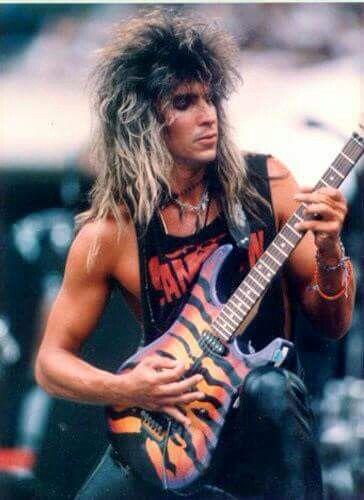 Apprenez à jouer de la guitare comme George Lynch du groupe de metal Dokken sur MyMusicTeacher.fr