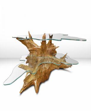 Taranis è un tavolo da caffè impreziosito da un piano d'appoggio in vetro di cristallo. Nasce dall'abilità dell'artista Roberto Zuliani di rivitalizzare e dare nuova vita alle radici d'albero di castagno.