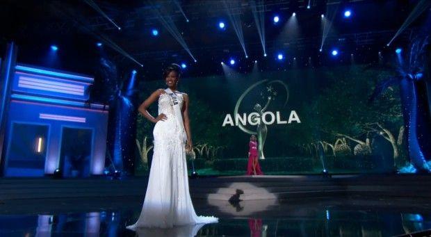 """Miss Angola usa """"traje típico tradicional"""" em preliminar do Miss Universo http://angorussia.com/entretenimento/fama/miss-angola-usa-traje-tipico-tradicional-em-preliminar-do-miss-universo/"""