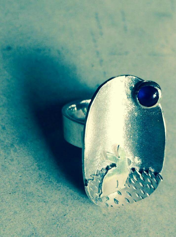Rabbit ring with sapphires
