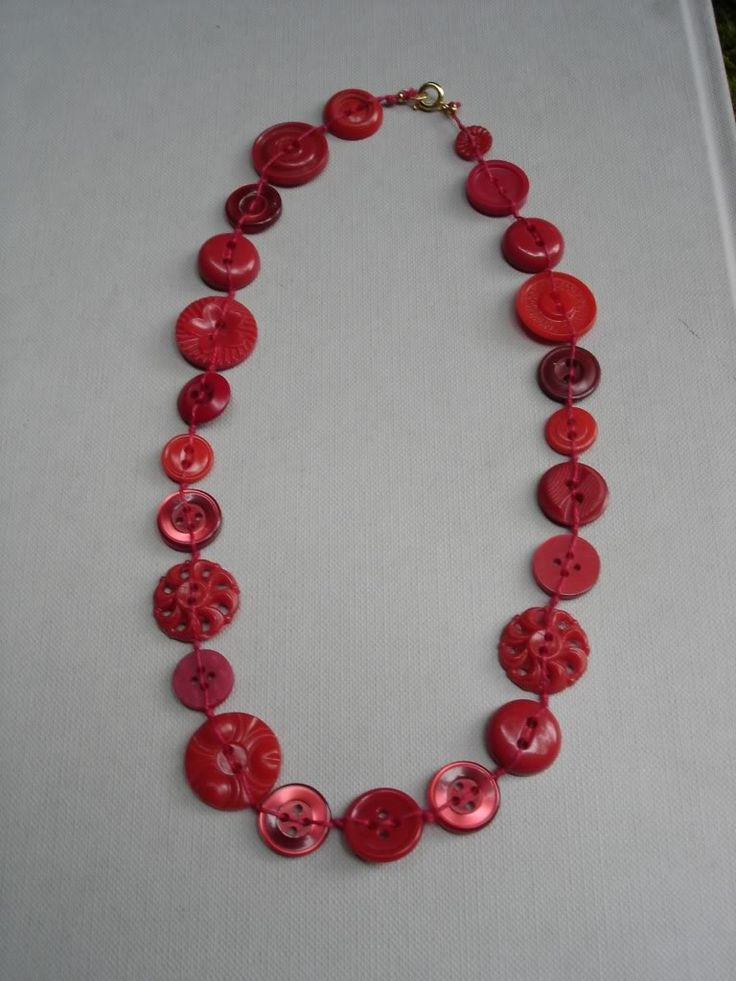 Button Necklace - JEWELRY AND TRINKETS