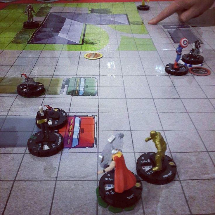 An old-school multiplayer brawl #heroclix #ussdauntless