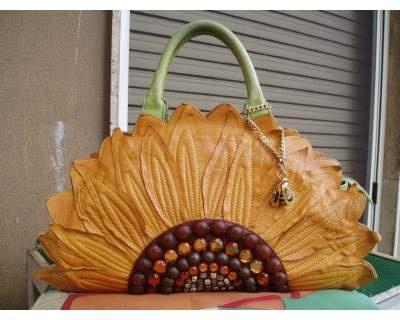 un girasole che rappresenta l'estate è l'ideale per la stagione estiva!!