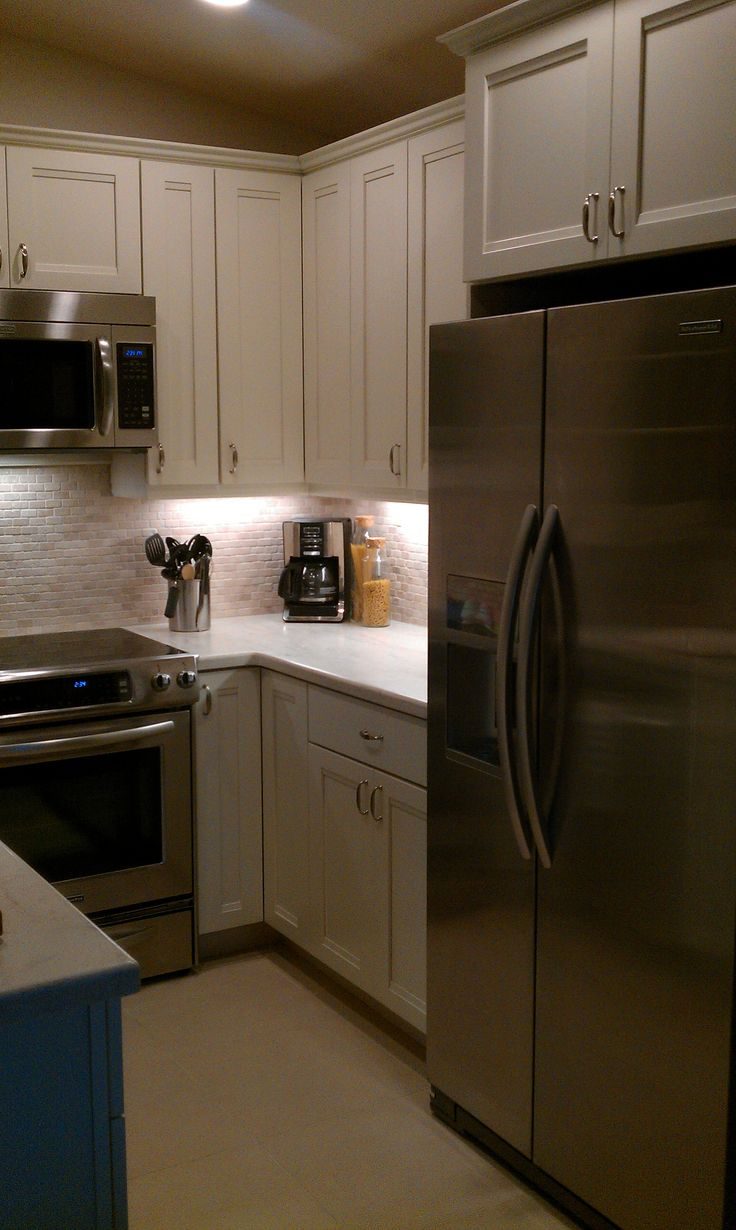 After kraftmaid cabinets canvas color natural tumble for Kitchen cabinets and stones