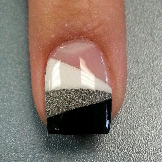 die 25 besten ideen zu schwarze fingern gel auf pinterest schwarze nageldesigns nageldesign. Black Bedroom Furniture Sets. Home Design Ideas