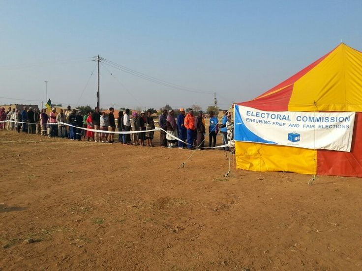 The first results of the 2014 National and Provincial elections have been announced at the election centre in Pretoria.  IEC chair, Pansy Tlakula, announced just before eleven on Wednesday evening that the ANC won 148 of the 160 votes cast in voting district number 11760623 at Mount Frere in the Umzimvubu local municipality in the Eastern Cape