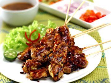 Sate Ayam Ponorogo. (Satay)