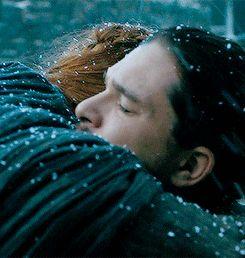 Jon & Sansa .... Esos abrazos q reconforta el alma y renueva el corazon....