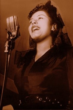 Billie HolidayBilly Lady, Pennies From Heavens Songs, Vintage Hollywood, Billie Holiday, Lady Singing, Beautiful Lady, Billy Holiday, Lady Day, Beautiful Things